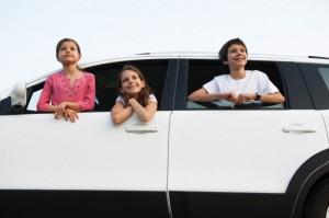 Voiture de luxe et limousine avec chauffeur